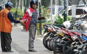 Hubungan Kerja Patron Klien Juru Parkir  Studi Implementasi P2kp Di Desa Purbayan Juru Parkir